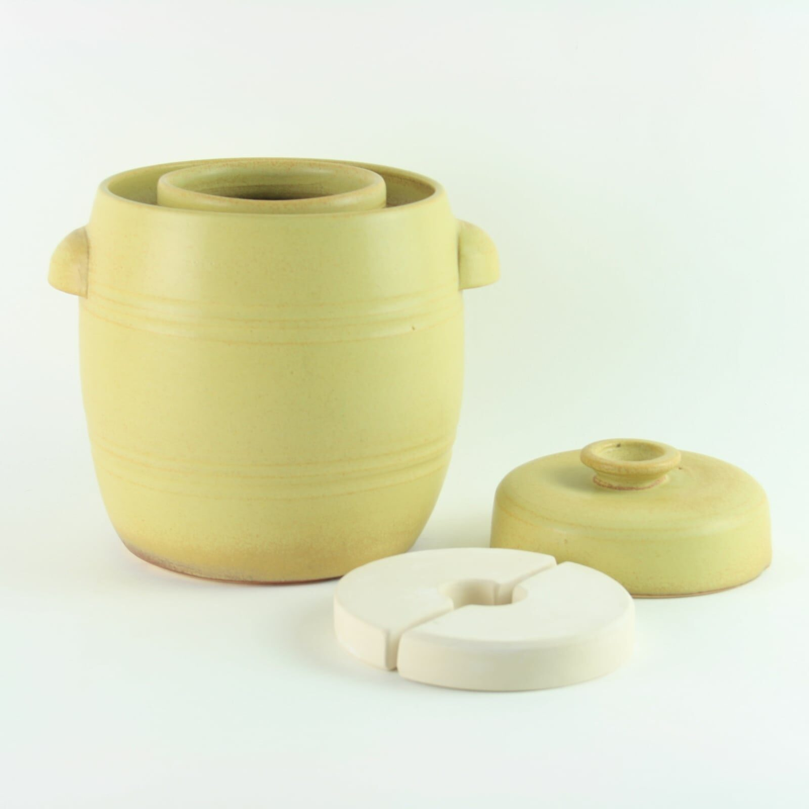 handmade 2.5 litre ceramic fermentation crock for making sauerkraut, kimchi and pickles