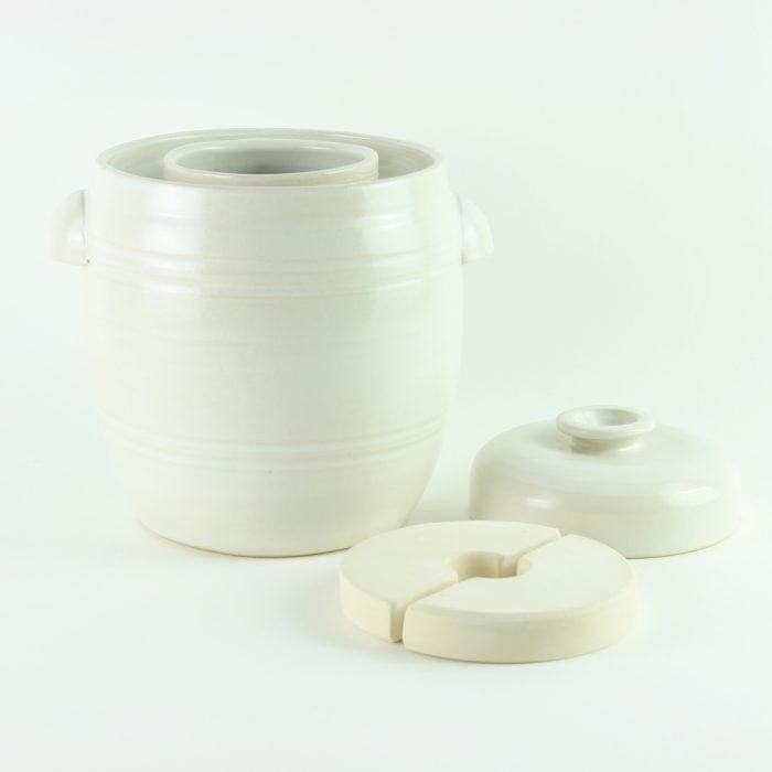 handmade 2.5 litre ceramic fermentation crocks for making sauerkraut, kimchi and pickles